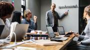 Pitch commercial : réussissez votre présentation d'entreprise en 6 étapes