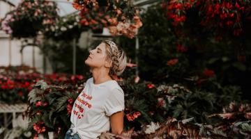 5 Ways Mindful Breathing Calms Your Nerves