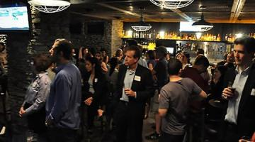 How to Start a Conversation With Strangers at a Networking Event
